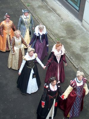 Tips for Looking Your Best in Your Renaissance Garb.