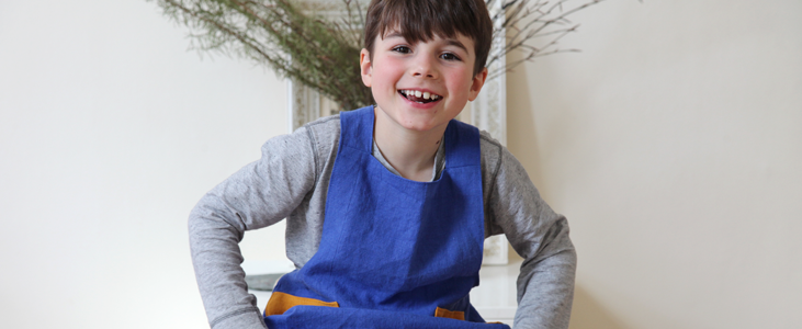 Linen aprons for the whole family Tutorial