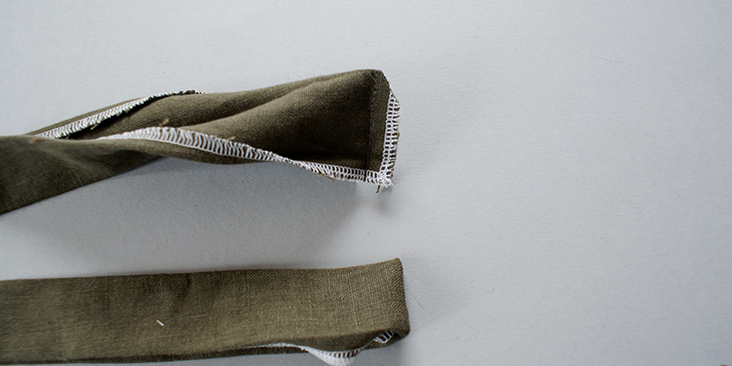 stitched edge collar