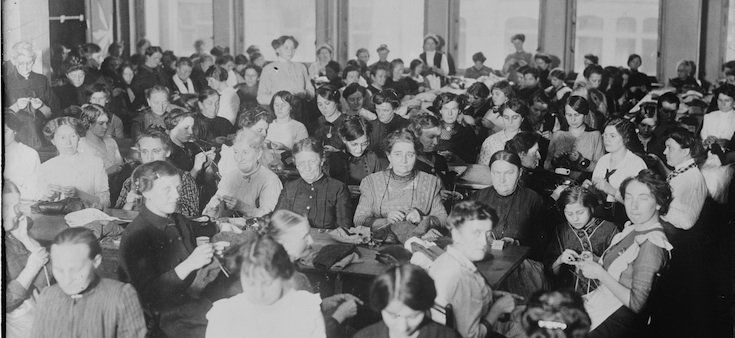 Photo from http://loc.gov and Bain News Service. Women knitting for soldiers in Berlin during WWI, either in 1914 or 1915.  (Okay, so my first knitting group wasn't this crowded, but it was as awesome.)