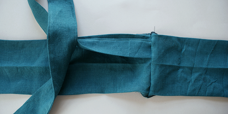 tie wrap to waistband